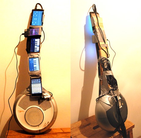 phoneguitarhed05072010.jpg
